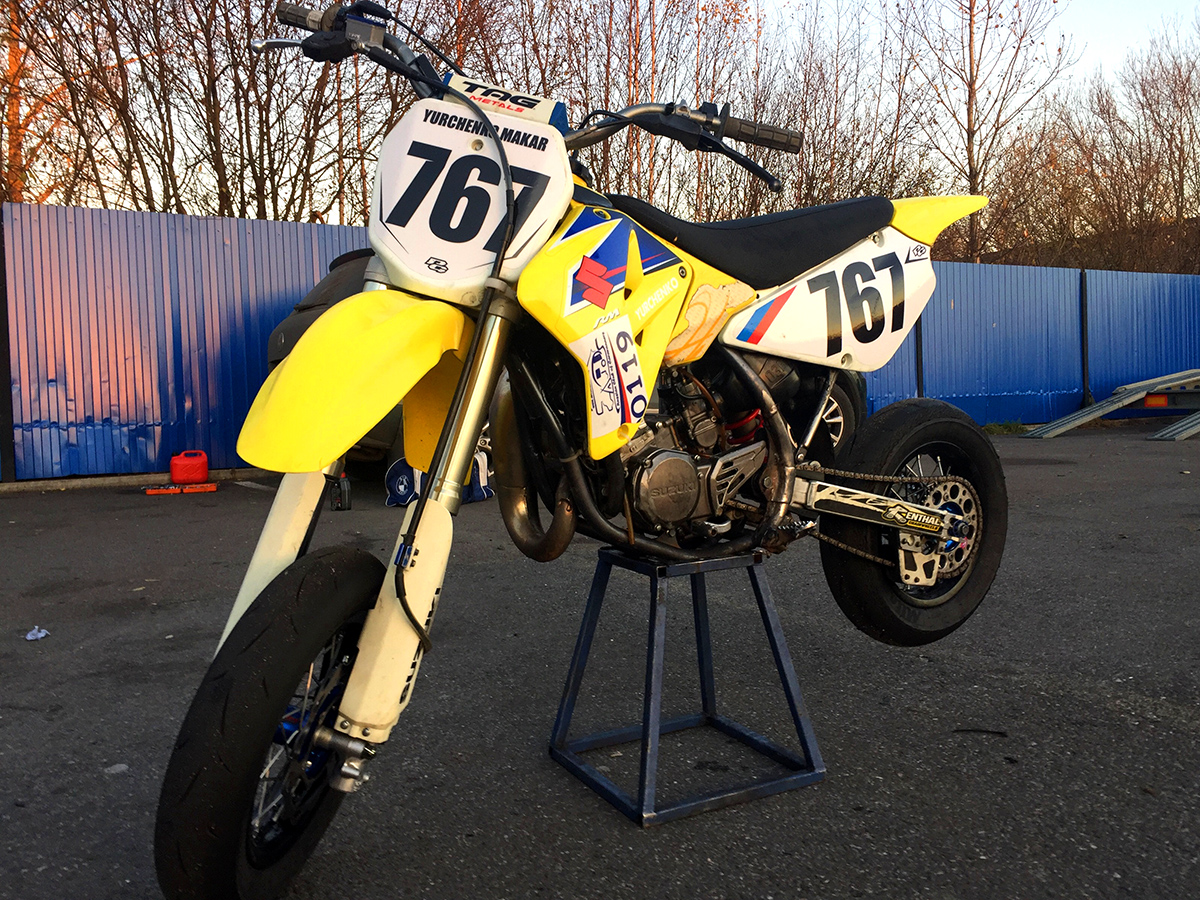 Двухтактный мотоцикл Suzuki RM85
