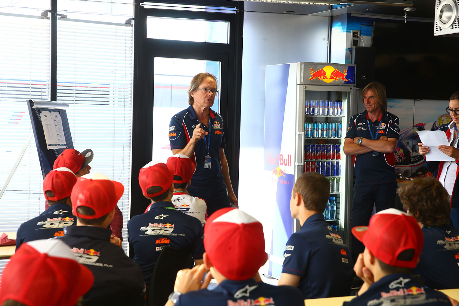 Briefing red bull rookies cup